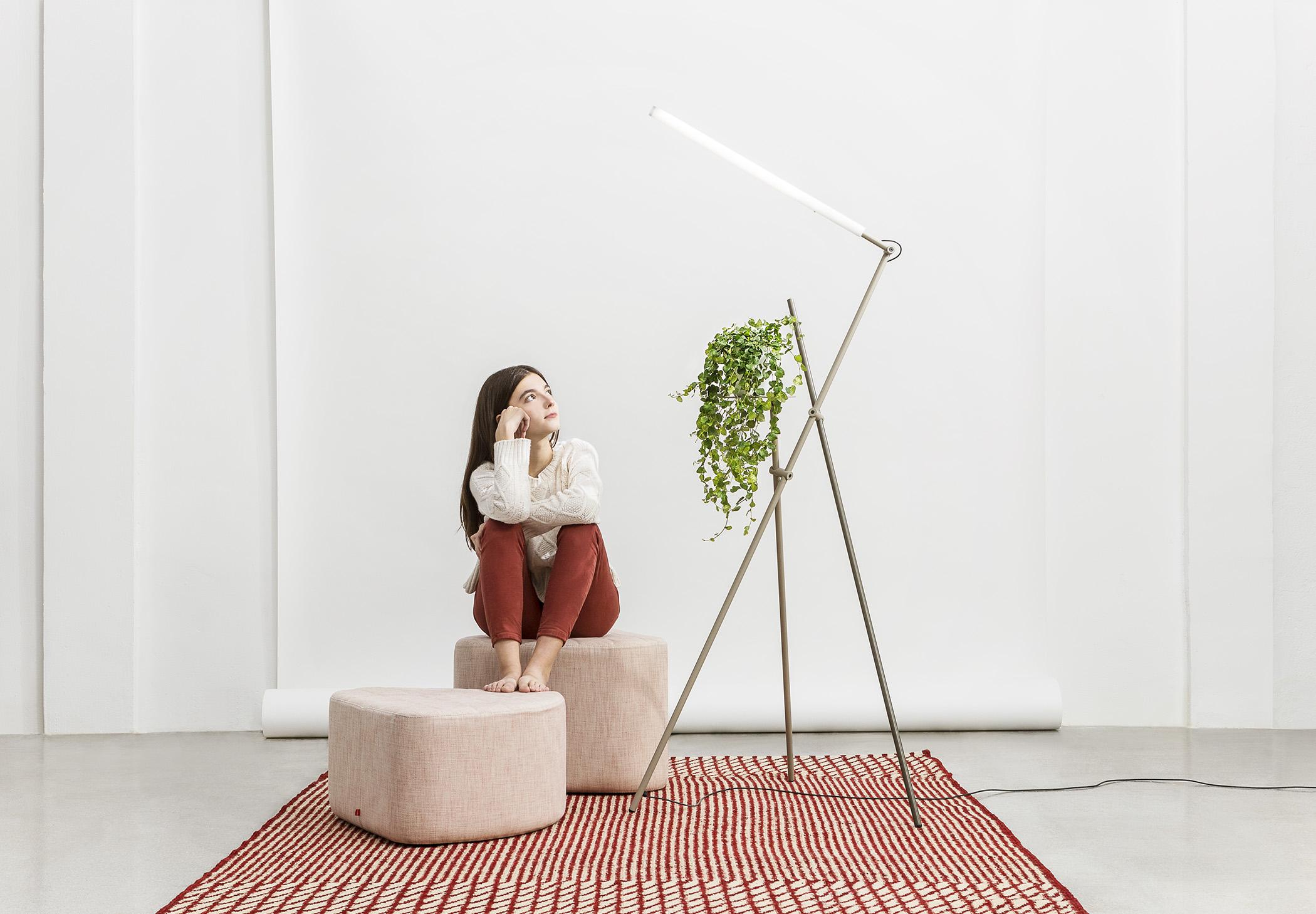 Asana P 3768 Floor Lamp Estiluz Image Ambient 02